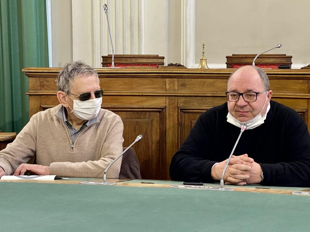 Il Presidente UICI di Biella Adriano Gilberti con il Sindaco Corradino